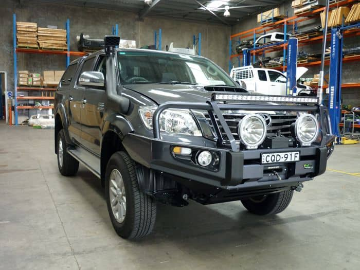 https://www.mnf4x4.com.au/media/Ironman-4x4-Deluxe-Commercial-Hliux-2005-2011-2.jpg